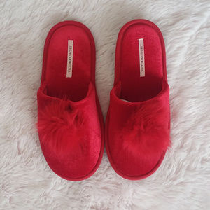 NEW Victoria's Secret Red Pom Pom House Slippers
